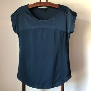 EXPRESS Cuffed short-sleeve top in navy, Sz Small